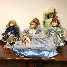 6 Different Dolls