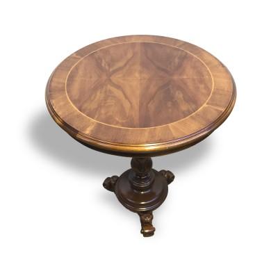 Old Round Table Walnut 20. Century